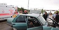 Otomobil İle Kamyonet Çarpıştı: 1 Yaralı
