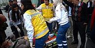 Otomobilin Çarptiği Kadın Yaralandı