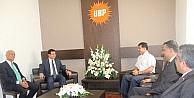 Özgürgün, Akdeniz Belediyeler Birliği Başkanı Tütüncü'yü Kabul Etti