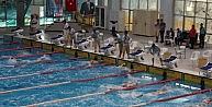 Paletli Yüzme Şampiyonasında Ödül Heyecanı