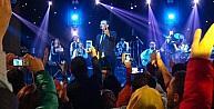 Rafet El Roman Öğretmenlere Müzik Ziyafeti Çekti
