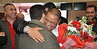 Roberto Carlos Sivas'tan Çiçeklerle Uğurlandı