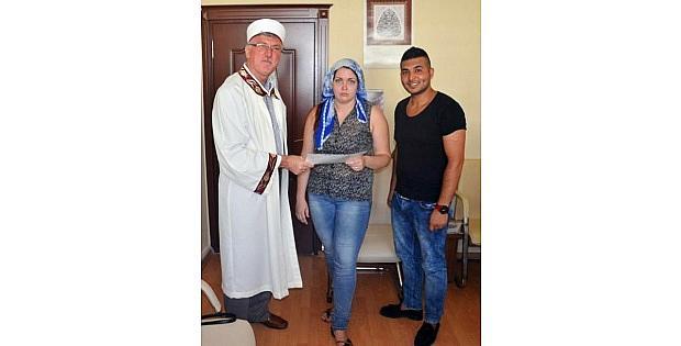 Rus Elena Ve Gürcü İnga Müslümanlığı Seçti