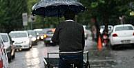 Sağanak Yağmur İzmir'de Hayatı Felç Etti
