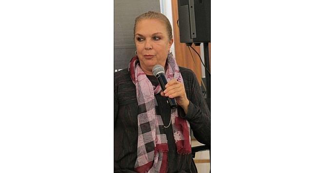 """Sanatçı Selda Alkor: """"istanbul'u Satın Alırdım"""""""