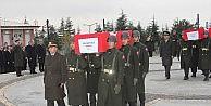 Şehit Sekiz Askerin Naaşı Şehitliğe Nakledildi