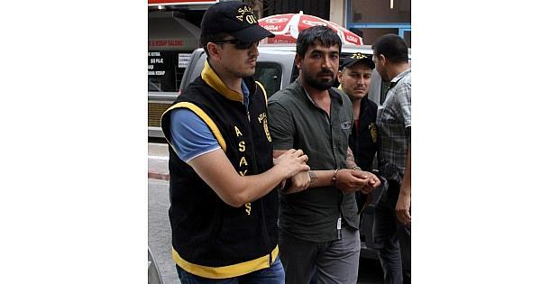 Tebdili Kıyafet Polis, 15 Yıl Hapis Cezasıyla Aranan Hükümlüyü Yakaladı