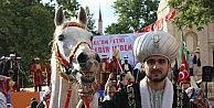 Temsili 'Akşemseddin Attan Düşünce, Fatih Fethe TEK Başına Çıktı