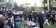 Trabzonspor Efsane Futbolcusu Kadir Özcan Mezarı Başında Anıldı.