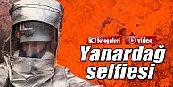 Yanardağın İçinde Selfie Çekti İzle