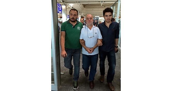 Youtube'da Aranan Dolandırıcı Havalimanında Yakalandı