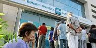 Yunanistanda Bankalar Emekliler İçin Yeniden Açıldı
