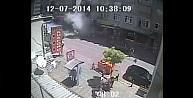 """Zeytinburnu""""ndaki Patlama Saniye Saniye Kamerada"""