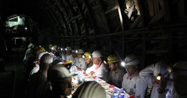 Vali Azizoğlu Madencilerle İftarda Buluştu